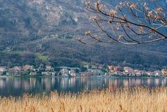 Lac et montagne Image stock
