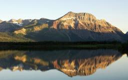 Lac et montagne Images libres de droits