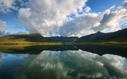Lac et montagnes Images stock