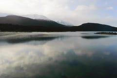 Lac et montagnes Photo libre de droits