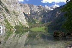 Lac et montagnes en Bavière Photographie stock libre de droits