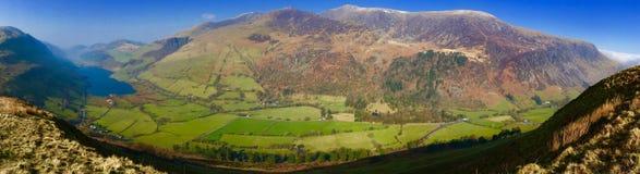 Lac et montagnes Snowdonia Tal-y-Lynn Images libres de droits