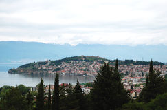 Lac et ville Ohrid, république de Macédoine Images stock