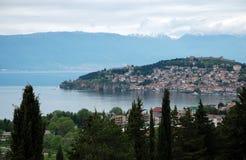 Lac et ville Ohrid, république de Macédoine Images libres de droits
