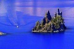 Lac fantôme Orégon crater d'île de bateau Photo stock