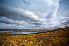 Lac fish, Whitehorse, paysage d'automne du Yukon Image libre de droits