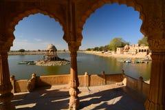 Lac Gadisar Jaisalmer Rajasthan l'Inde photos stock