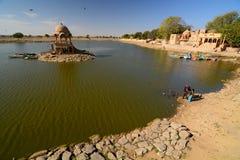 Lac Gadisar Jaisalmer Rajasthan l'Inde image libre de droits