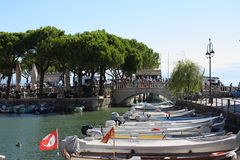 Lac garda de Porto Vecchio Desenzano images libres de droits