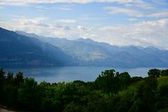 Lac garda vu de San Zeno di Montagna photos stock