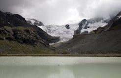Lac Gletsjer Switserland le moiry Photos stock