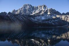 Lac Gokyo Photographie stock libre de droits