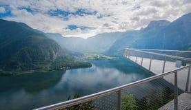 Lac Hallstatt de point de vue de mines de sel de Salzwelten photo stock