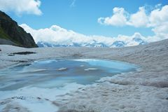 Lac hautes mountains Images stock