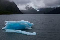 Lac Iceburg portage photographie stock libre de droits