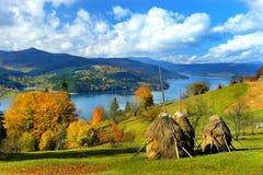 Lac Izvorul Muntelui Photos libres de droits