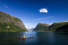 Lac Jolstravatnet en Norvège du sud Photographie stock libre de droits