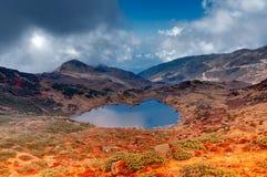Lac Kalapokhri, Sikkim, chaîne de montagne de l'Himalaya, Sikkim Images libres de droits