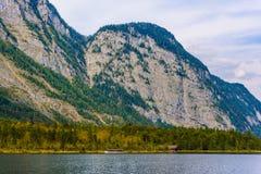 Lac Koenigssee avec des montagnes d'Alpes, Konigsee, parc national de Berchtesgaden, Bavi?re, Allemagne images libres de droits