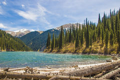 Lac Kolsay en système de montagne de Tien Shan, Kazakhstan photos stock
