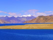 Lac-Ladakh de Pangong Photos stock