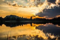 Lac le soir Images stock