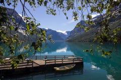 Lac Lovatnet en Norvège en Europe Photographie stock