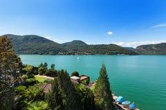 Lac lugano dans un jour d'été Image libre de droits