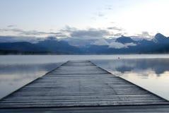 Lac McDonald et dock Image libre de droits