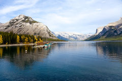 Lac Minnewanka Photos stock