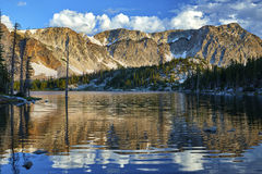 Lac mirror, chaîne de Milou, Wyoming photo stock