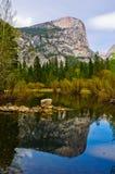 Lac mirror dans Yosemite Images libres de droits