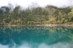 Lac mirror en parc national de Jiuzhaigou de Sichuan Chine images stock
