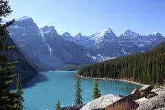 Lac moraine, Alberta, Canada Photos stock