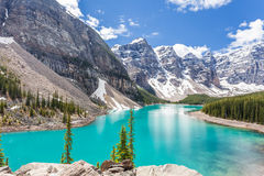 Lac moraine en parc national de Banff, Canadien les Rocheuses, Canada Photos stock