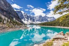 Lac moraine en parc national de Banff, Canadien les Rocheuses, Canada Images libres de droits