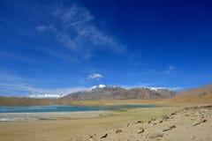 Lac Moriri dans Ladakh, Inde Photographie stock libre de droits