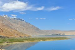 Lac Moriri dans Ladakh, Inde Photographie stock