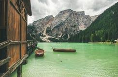 Lac mountain à Valle di Braies dans les Alpes de dolomite Image stock