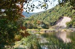 Lac mountain au milieu des jardins Photos stock
