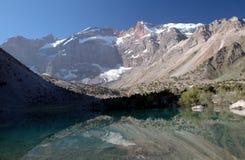 Lac mountain dans Tajikistan Images libres de droits