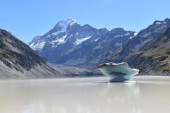 Lac mountain du Nouvelle-Zélande d'iceberg image libre de droits
