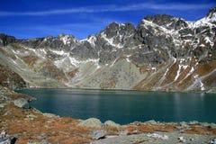 Lac mountain en automne (pleso de Hincovo) Photos libres de droits