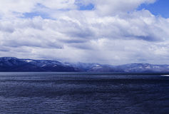 Lac mountain, nuageux Image stock
