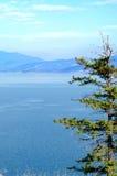 Lac Okanagan et collines environnantes Photos libres de droits