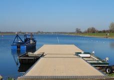 Lac olympique rowing de Dorney avec le ciel bleu d'été Images libres de droits