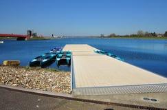 Lac olympique rowing de Dorney avec le ciel bleu d'été Photo libre de droits