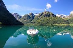 Lac Oppstrynsvatnet en Norvège Image libre de droits