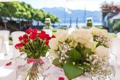 Lac Orta, le 19 juillet 2016 Cérémonie de mariage extérieure à la villa Bossi Image libre de droits