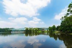 Lac Qian dans le jardin botanique en été Images libres de droits